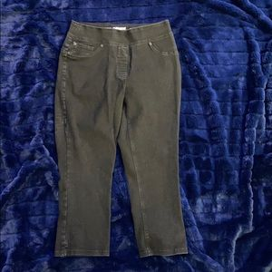 PETER NYGARD. WIDE BAND. CAPRIS.LUXE DENIM.STRETCH
